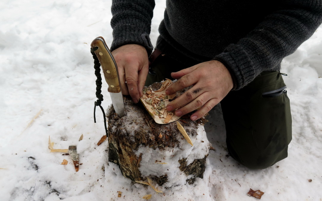 How to start a fire with Birchbark and firesteel in an easy way.