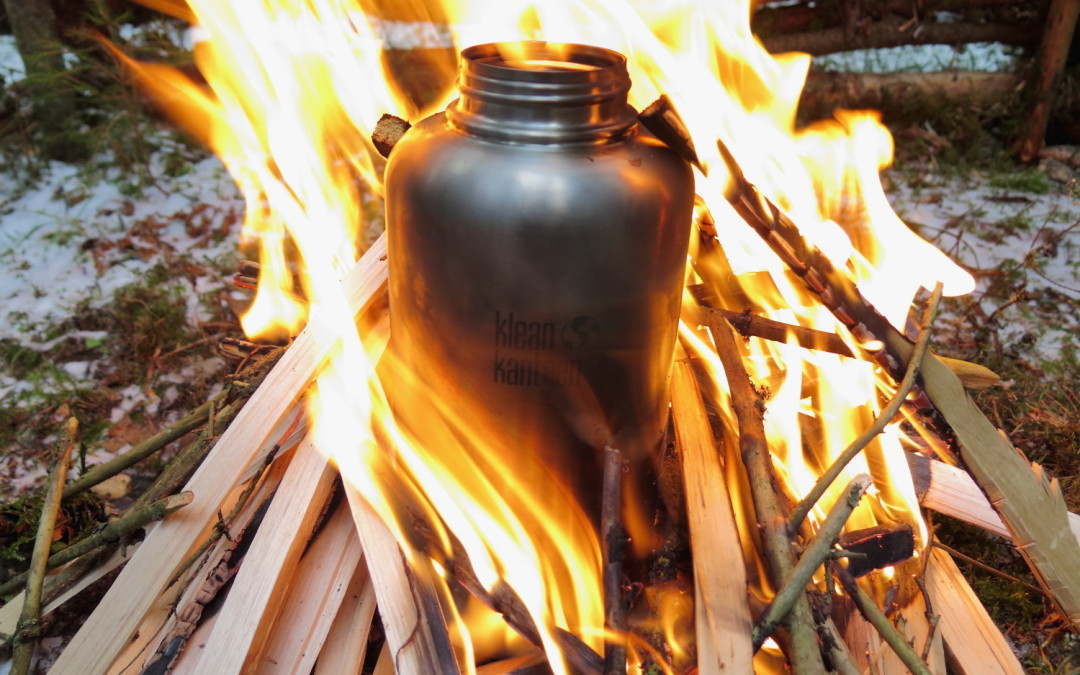 Purify water in a Kleankanteen.